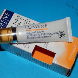 Wyroluj cienie z Lumene – Bright Now Vitamin C Serum pod oczy w roll-on'ie