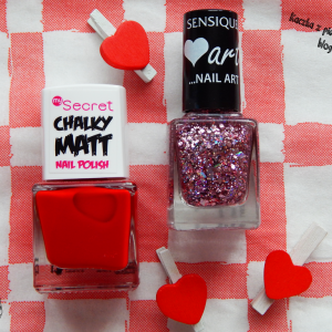 ART&MATT- manikiur z wiosennymi My Secret Chalky Matt Red i Sensique Nail Art Sweet Heart