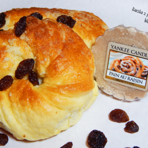 Aż ślinka cieknie – Pain Au Raisin ( Cafe Culture ) od Yankee Candle