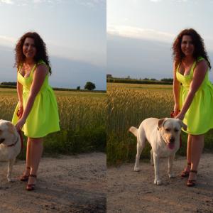 Mów mi ŻARÓWKA – neonowa sukienka od Romwe