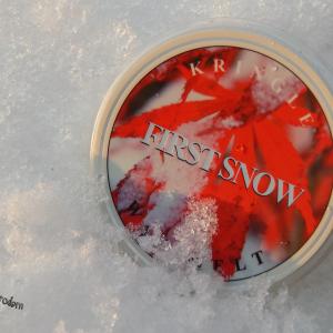 Pierwszy prawdziwy śnieg więc i śnieżny wosk na blogu – First Snow od Kringle Candle