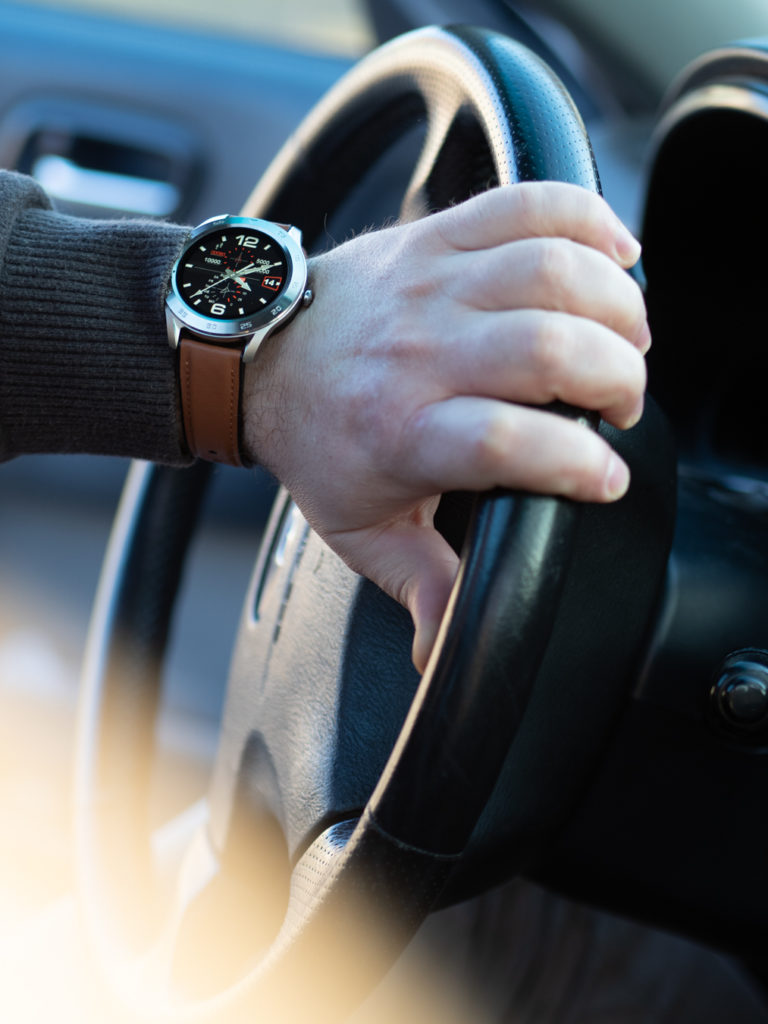 smartwatch-garett-gt22s-na-reku