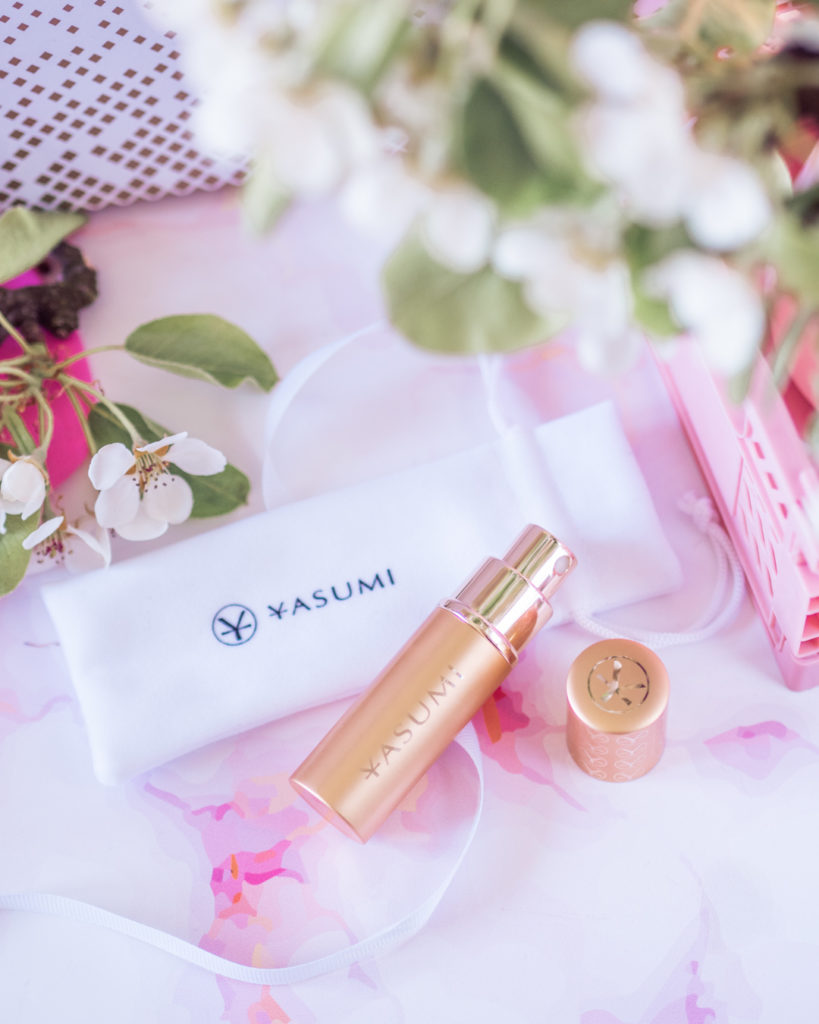 Yasumi Hato perfumetka z perfumami BeGlossy Goldenbox No 33