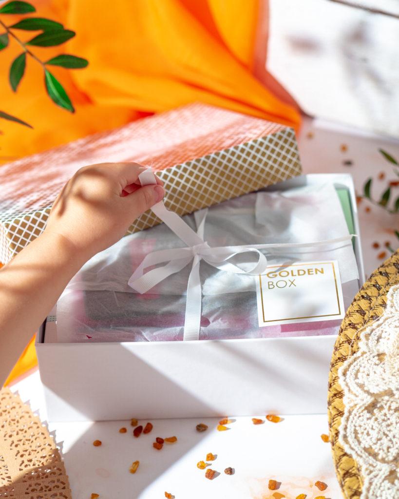 Otwieranie pudełka BeGlossy Goldenbox