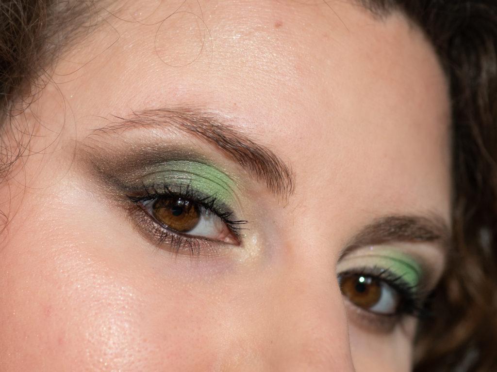 zbliżenie-oko-makijaz-mineralny