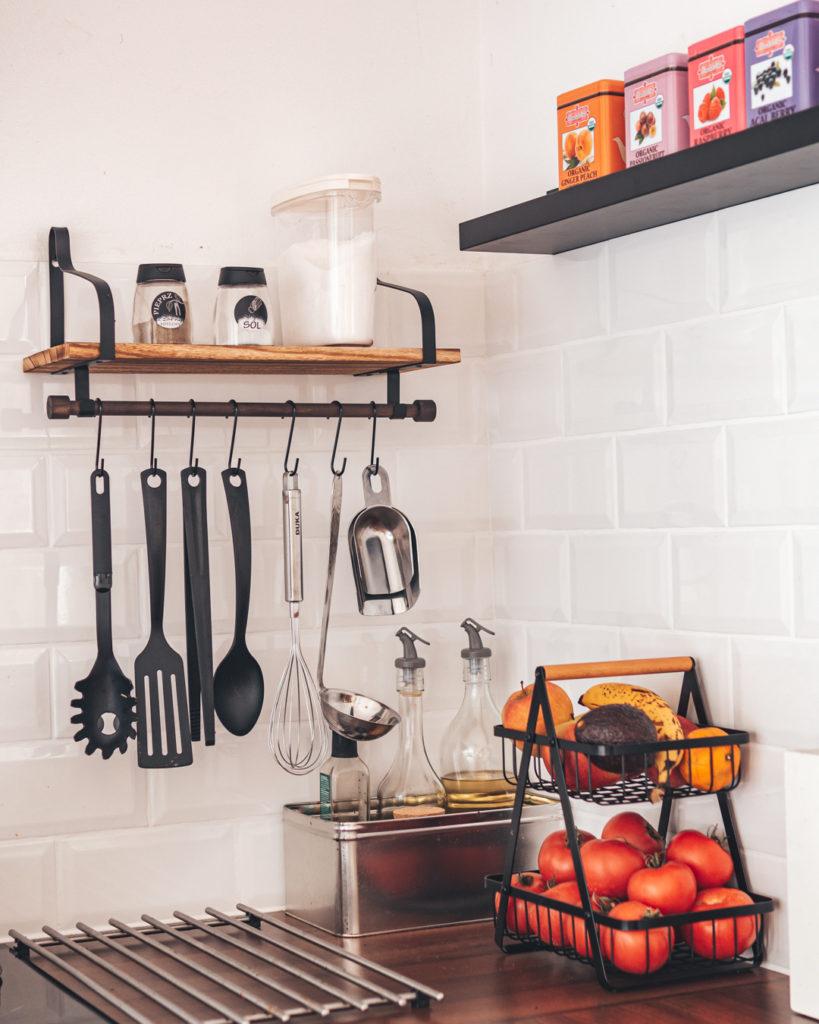 koszyk-i-półka-do-kuchni